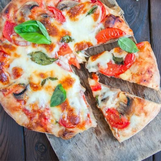 Caramelised Onion & Mushroom Vegan Pizza - 250g ****