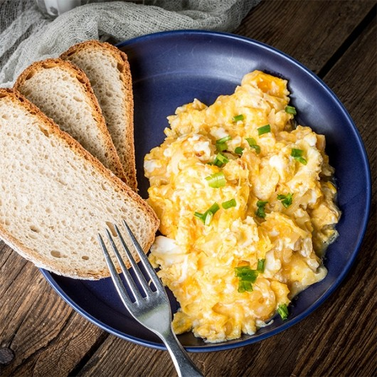 1 Minute  Scrambled Eggs