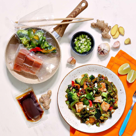 Easy Cook™ Teriyaki Salmon Stir-Fry 41g Protein