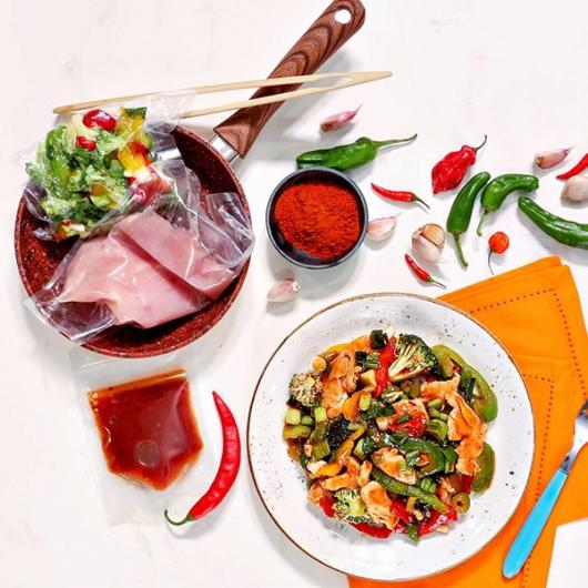 Easy Cook™ Sweet & Sour Chicken Stir-Fry 44g Protein