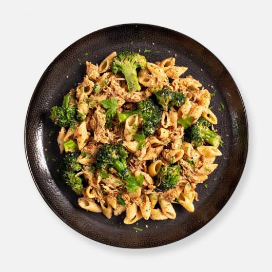 Chipotle Chicken Carbonara Pasta Kit - 462 kcal