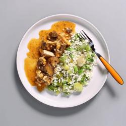 Chicken Stroganoff with Rice - 573 kcal