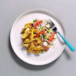 Oriental Chicken Pad Thai - 493 kcal