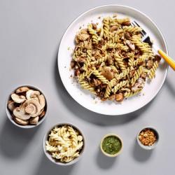 Mushroom Pesto Pasta Meal Kit 343 Kcals