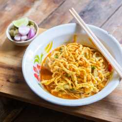 Veg Panang with Slim Noodles by Eat Water